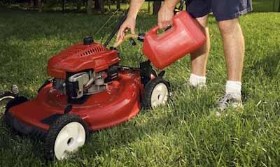 fueling lawn mower tank