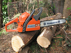 If the chainsaw is not cutting properly, then it is probably due to one of four problems. (Courtesy: Michael Davison at flickr.com)